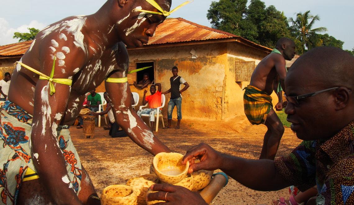Plongez au coeur de la culture ivoirienne à quelques minutes de Taï, au coeur de l'ethnie Oubi